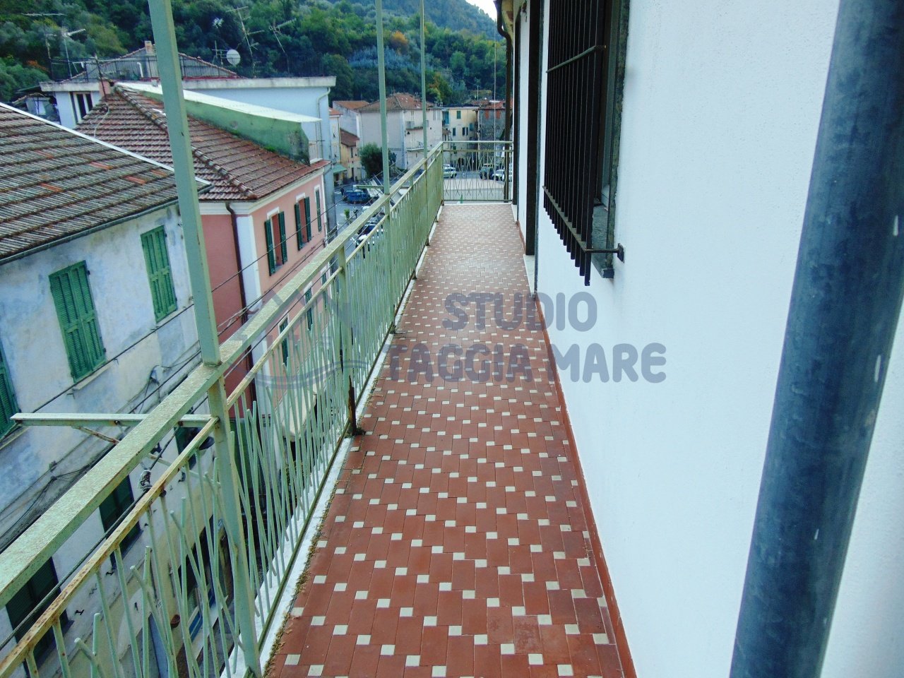 Appartamento in vendita a Badalucco, 4 locali, prezzo € 100.000 | Cambio Casa.it
