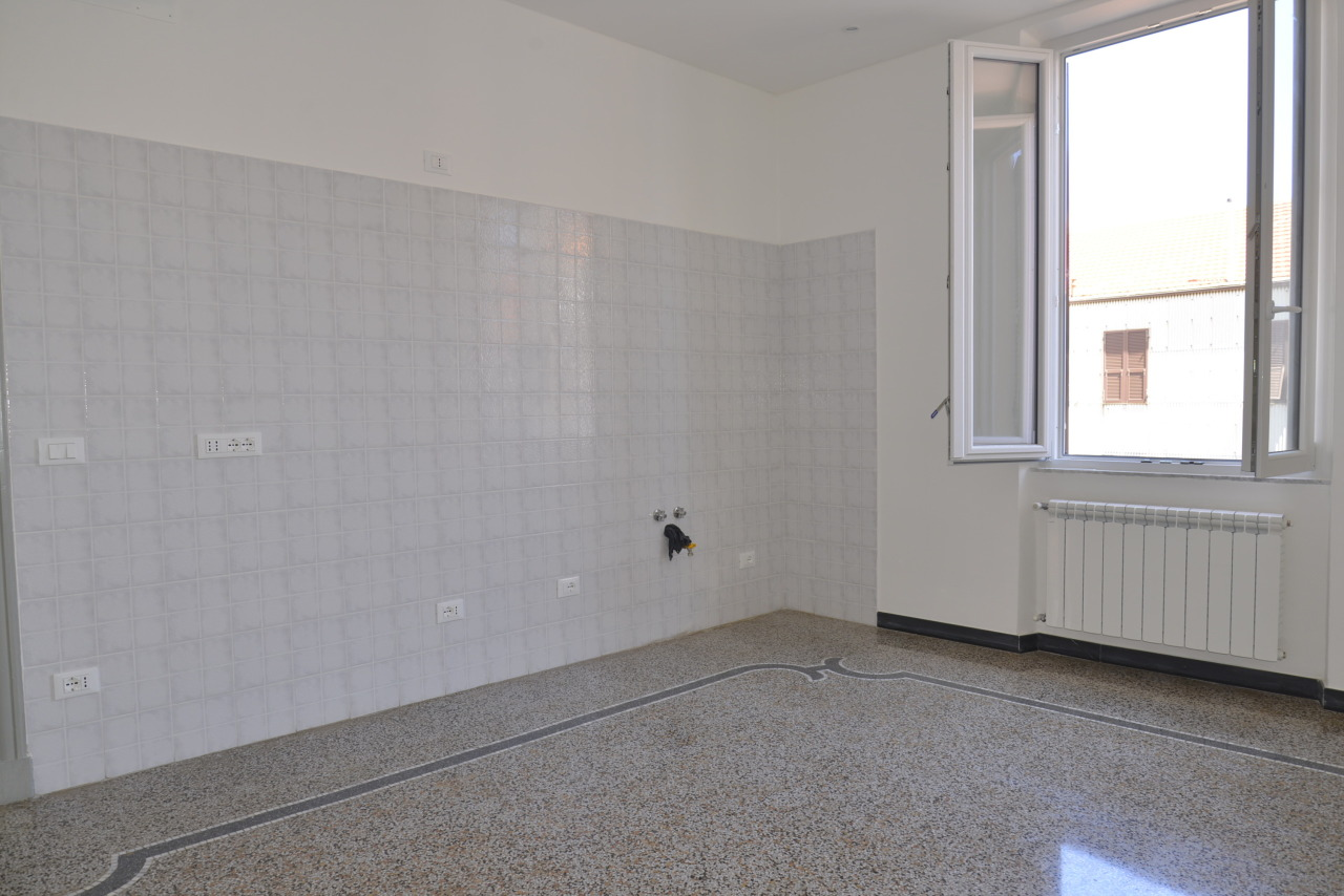 Appartamento in vendita a Vado Ligure, 3 locali, prezzo € 120.000 | Cambio Casa.it