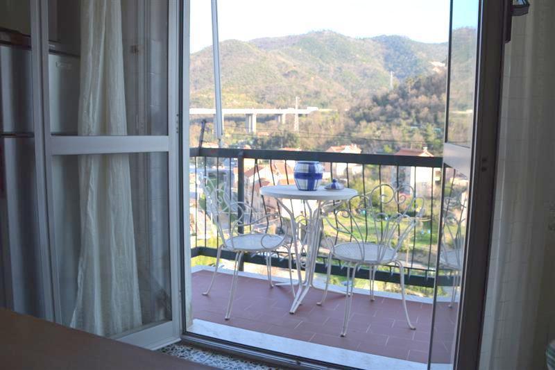 Appartamento in vendita a Vado Ligure, 4 locali, prezzo € 125.000 | Cambio Casa.it