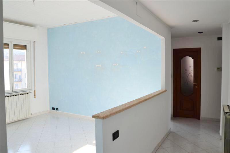 Appartamento in vendita a Quiliano, 3 locali, prezzo € 155.000 | CambioCasa.it