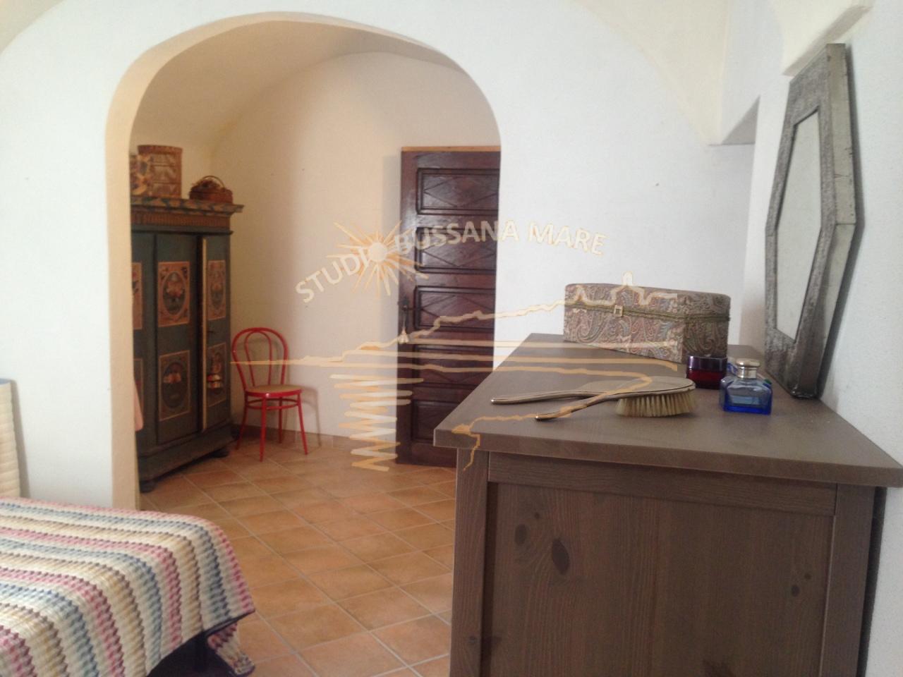 Bilocale Badalucco Via Vezzargo 12