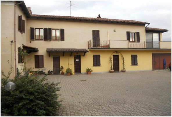 Foto 1 di Villa Localotà Cascina San Pietro 18, Rosignano Monferrato