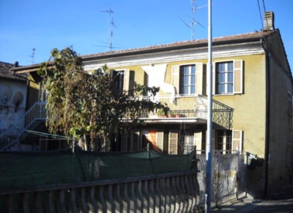 Foto 1 di Villa Via Filippo Turati 5, Sale