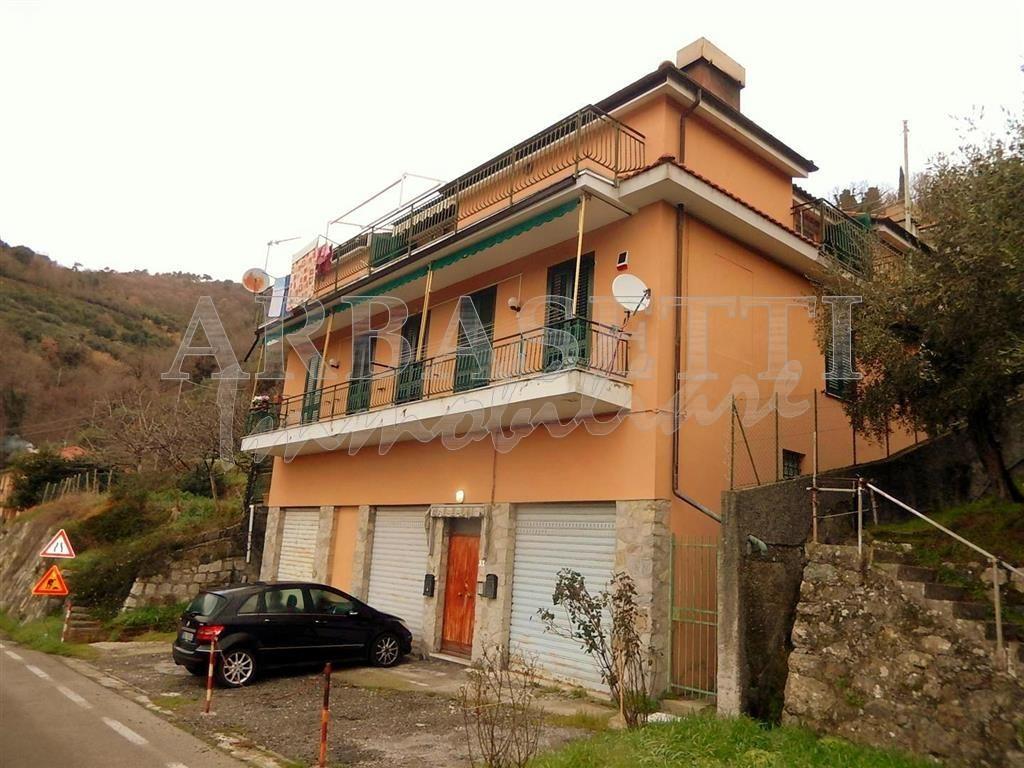 Appartamento in Vendita a Castiglione Chiavarese