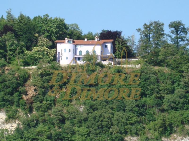 Villa in vendita a Leggiuno, 5 locali, Trattative riservate | CambioCasa.it