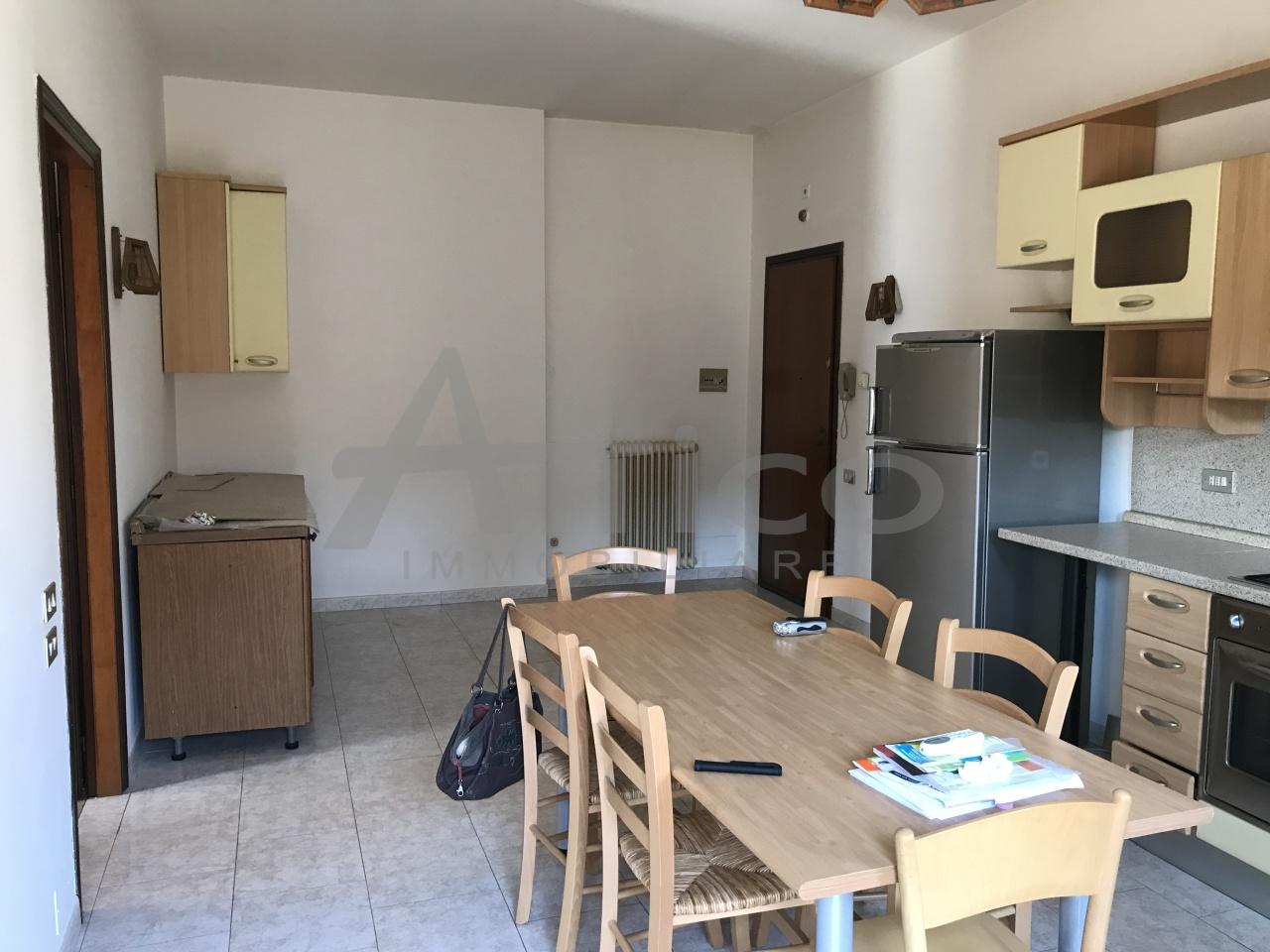 rovigo vendita quart: commenda est attico immobiliare