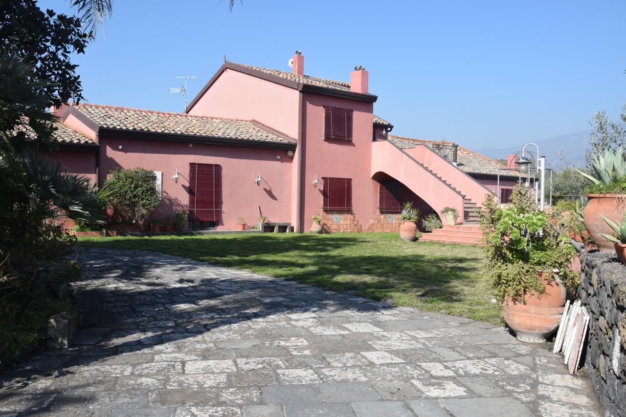Villa in vendita a Aci Sant'antonio (CT)