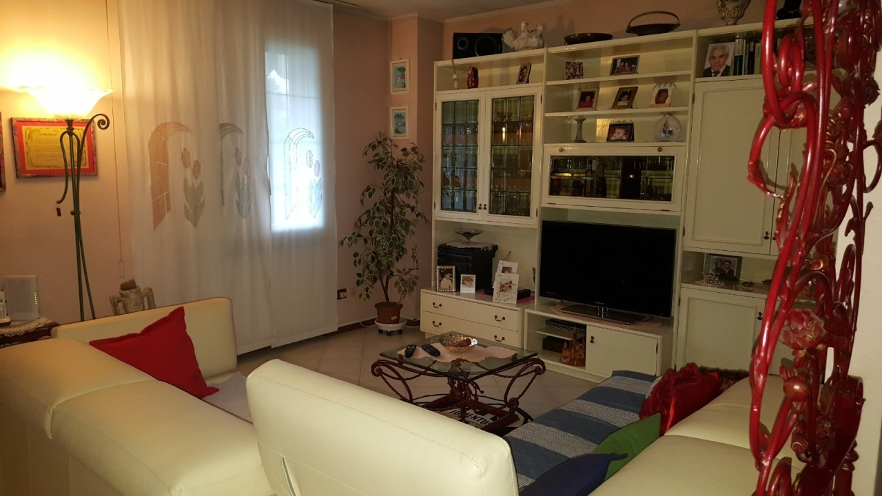 Foto 1 di Villa Gatteo