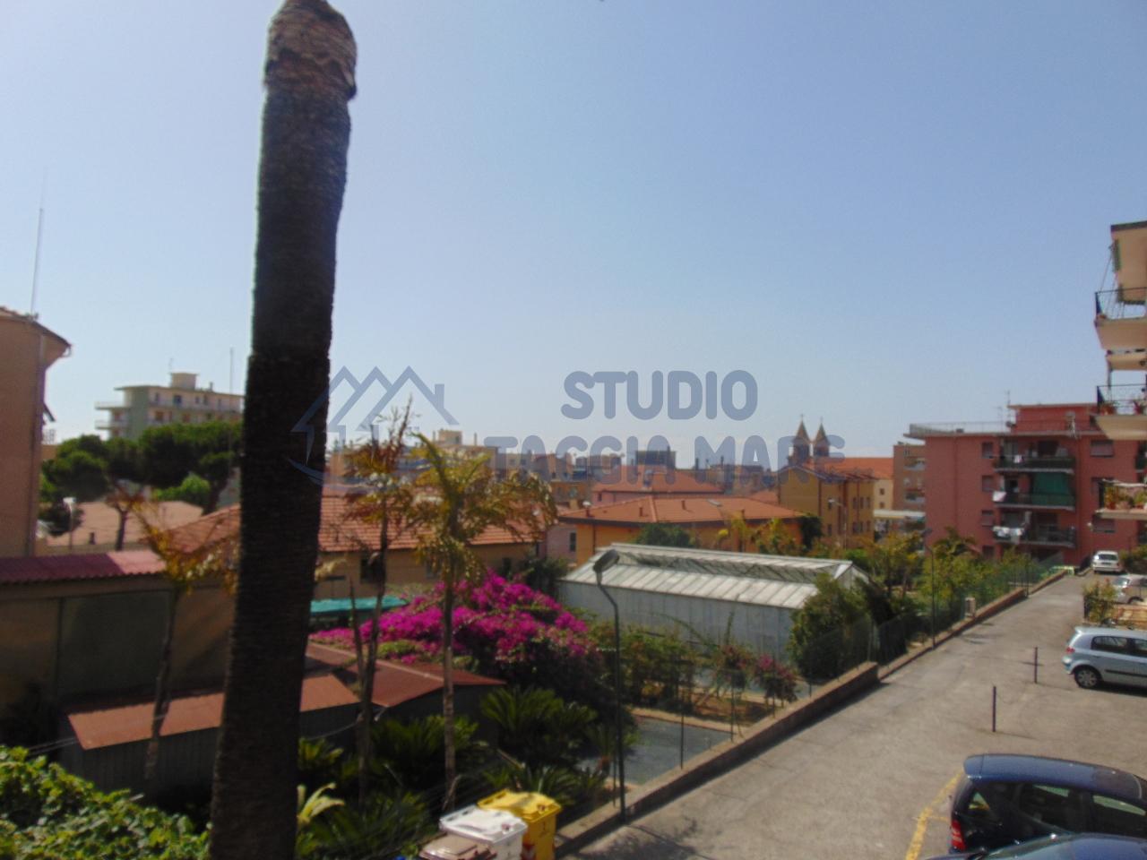 Appartamento in vendita a Taggia, 3 locali, prezzo € 159.000 | CambioCasa.it
