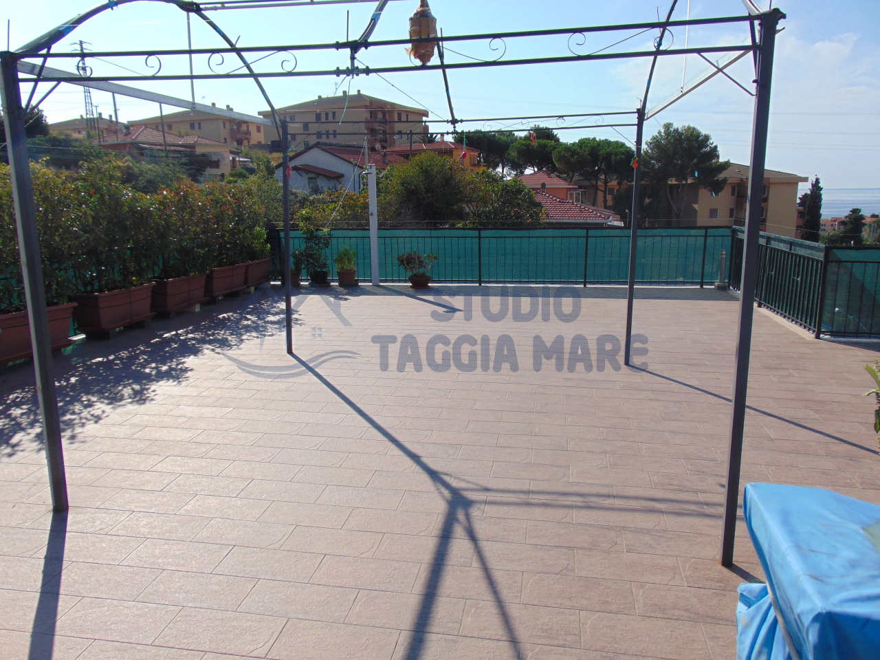 Appartamento in vendita a Santo Stefano al Mare, 5 locali, prezzo € 290.000 | Cambio Casa.it