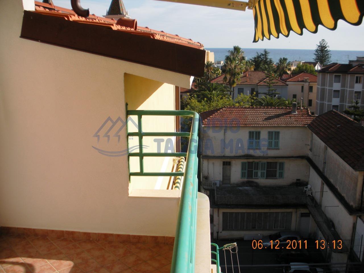 Bilocale Taggia Via Aurelia Ponente 2