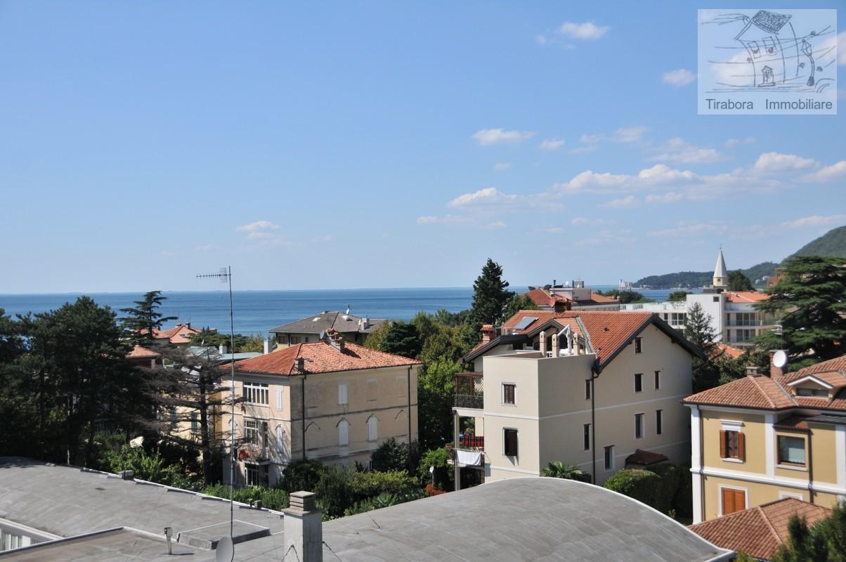 Bilocale Trieste Via Del Cerreto 7/2 3