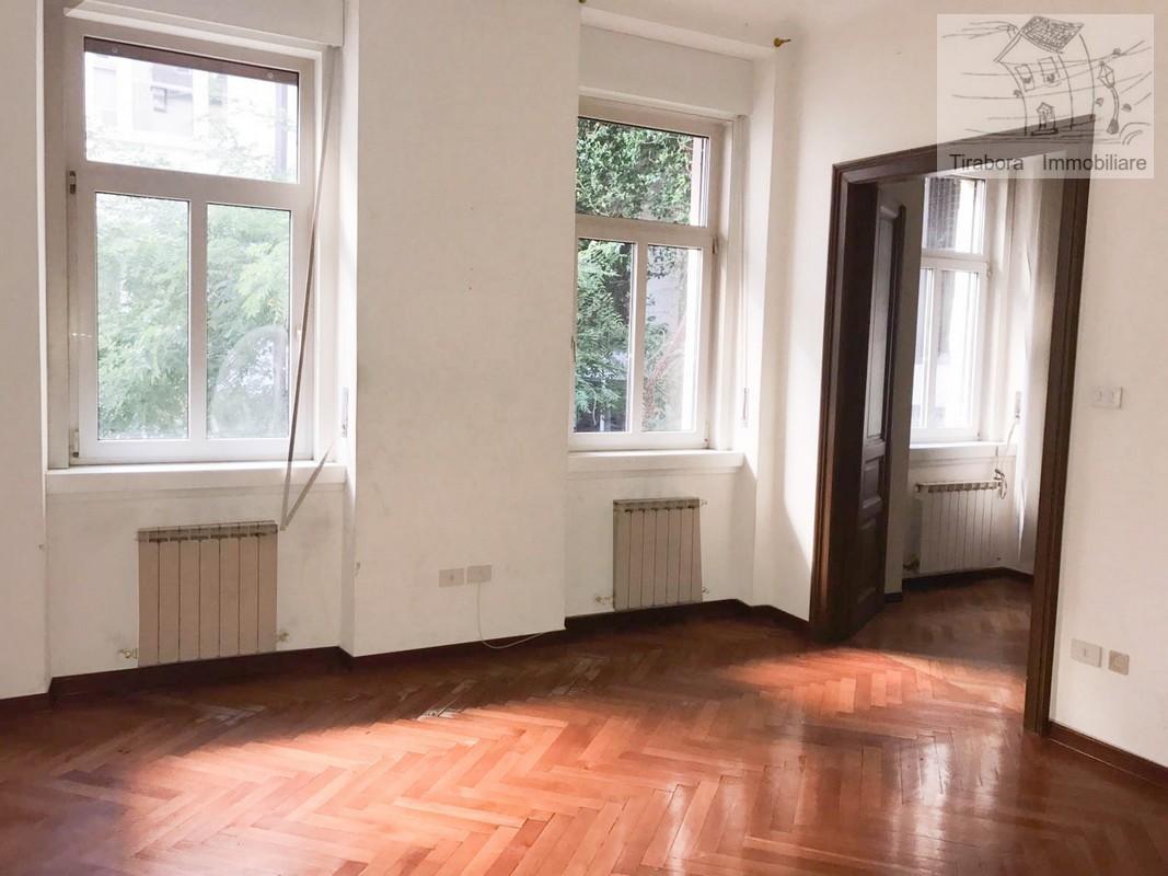 Appartamento in vendita a Trieste, 4 locali, prezzo € 130.000 | CambioCasa.it
