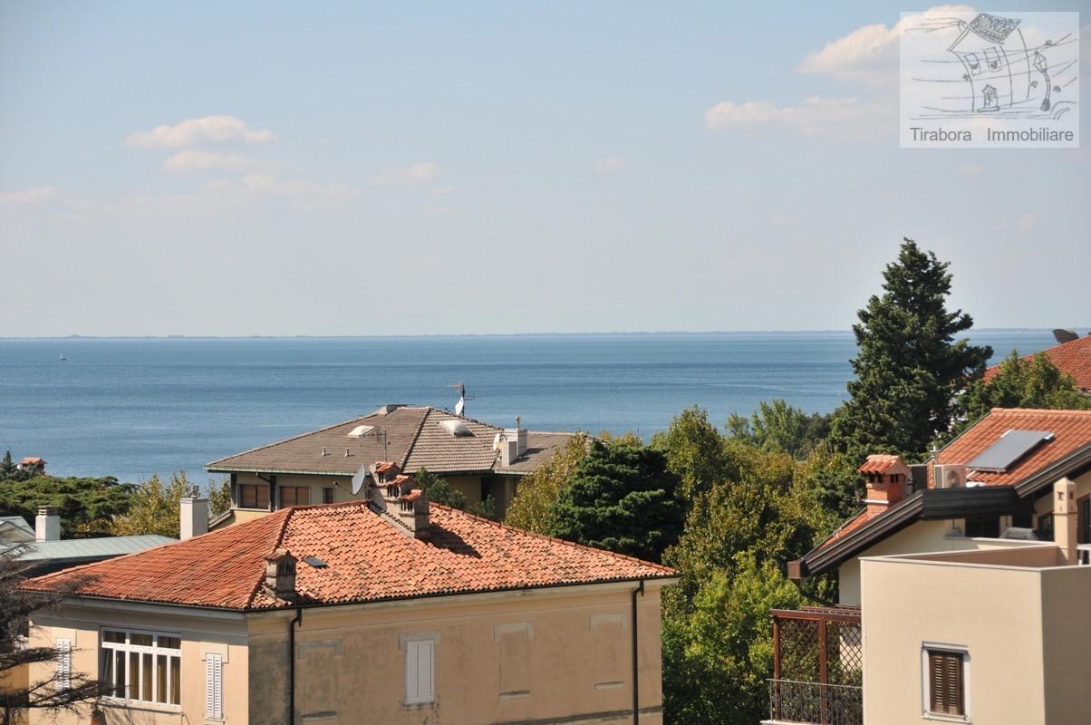 Bilocale Trieste Via Del Cerreto 7/2 1