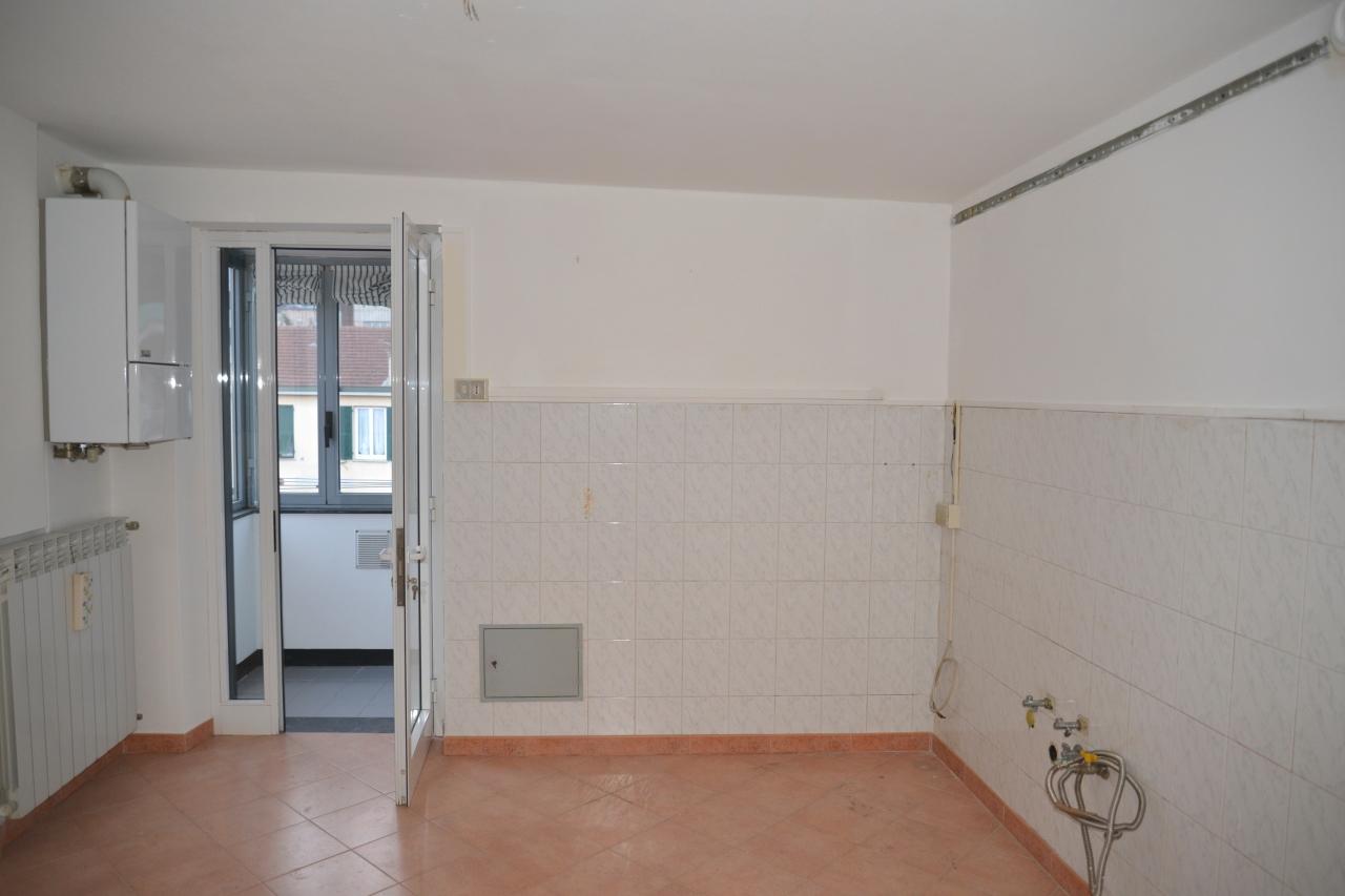 Appartamento in vendita a Vado Ligure, 3 locali, prezzo € 82.000 | Cambio Casa.it