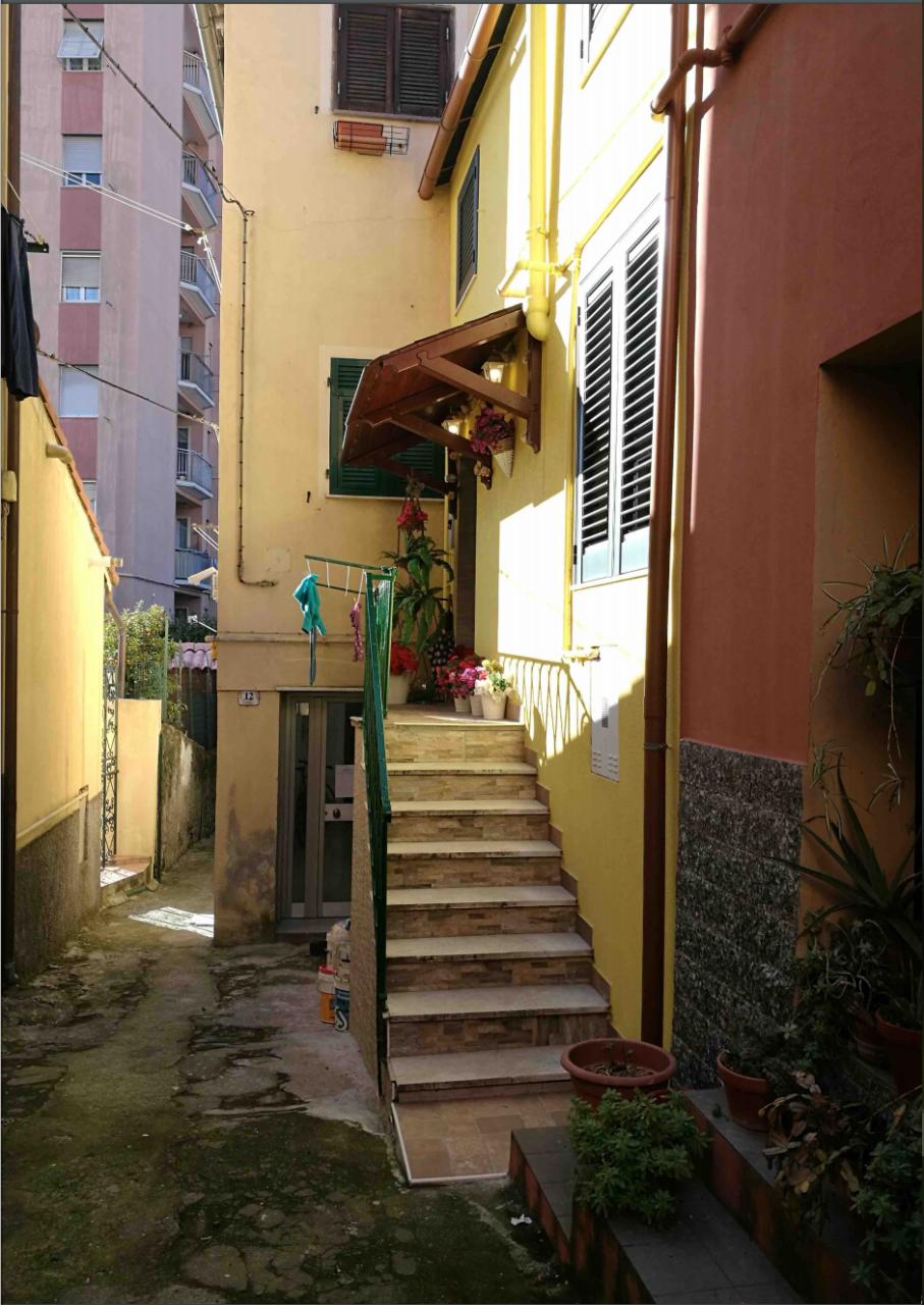 Foto 1 di Appartamento Via Giuseppe Gallesi 12, Carasco
