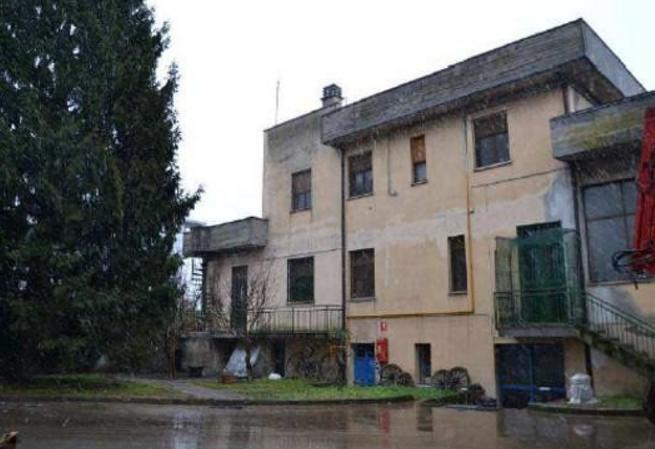 Foto - Capannone In Vendita Tortona (al)