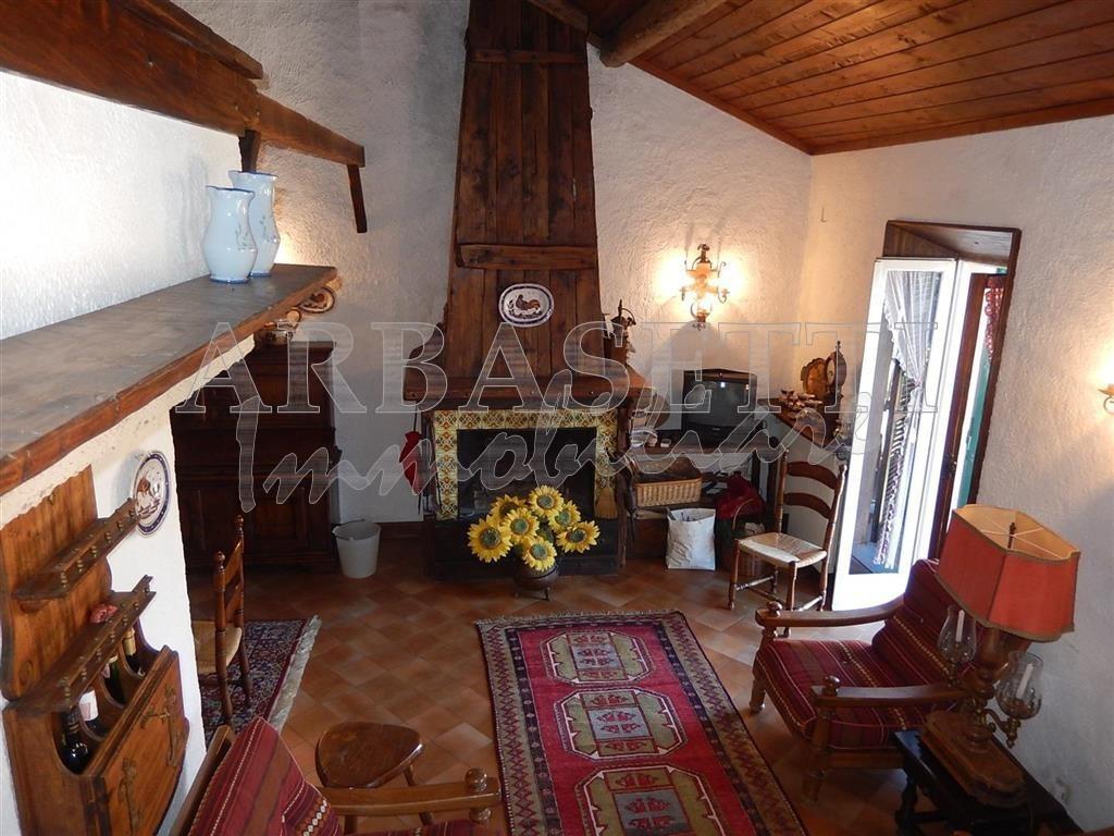 Apartment, 120 Mq, Sale - Castiglione Chiavarese