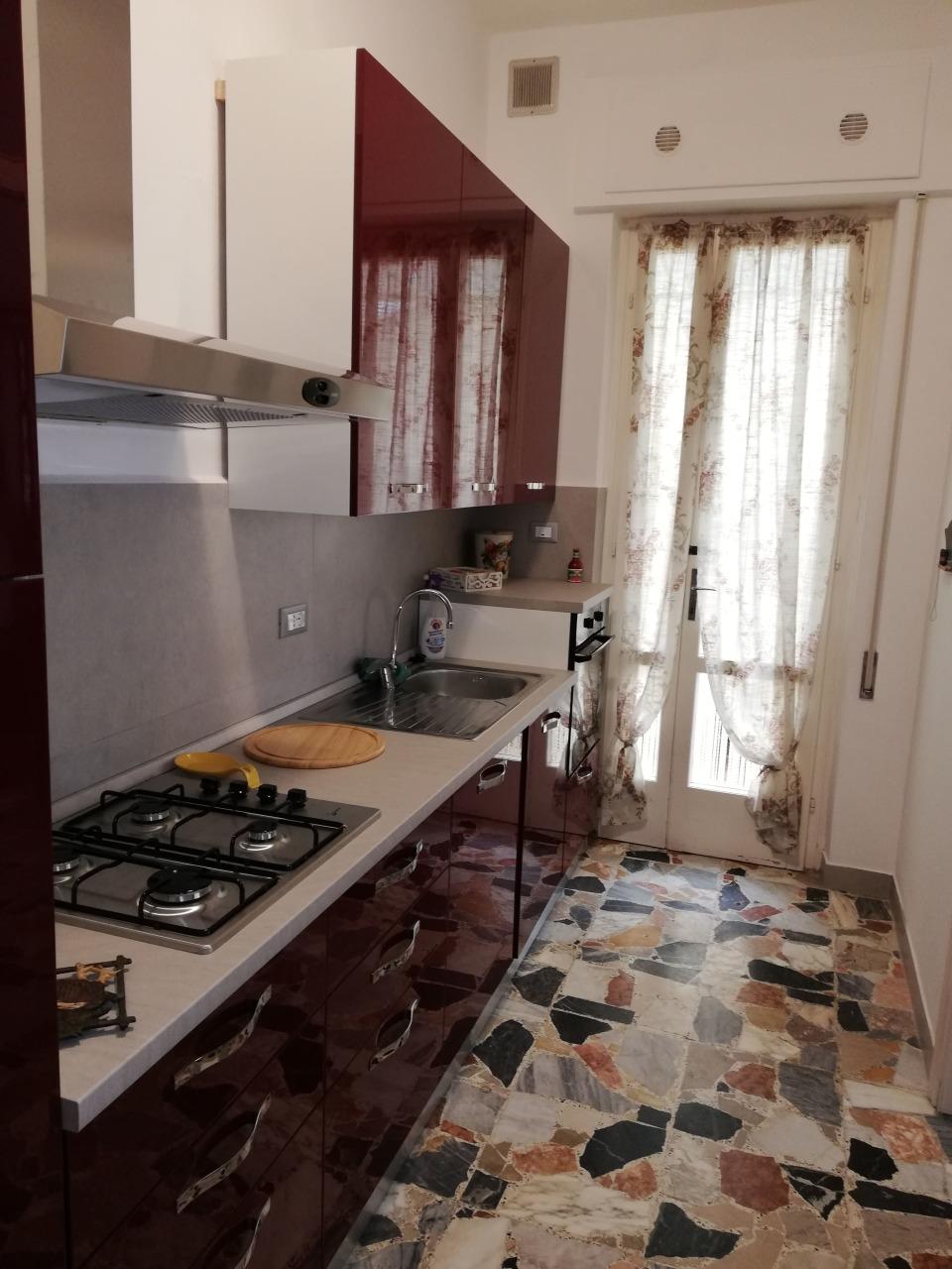 Stabile/Palazzo in affitto a Viareggio (LU)