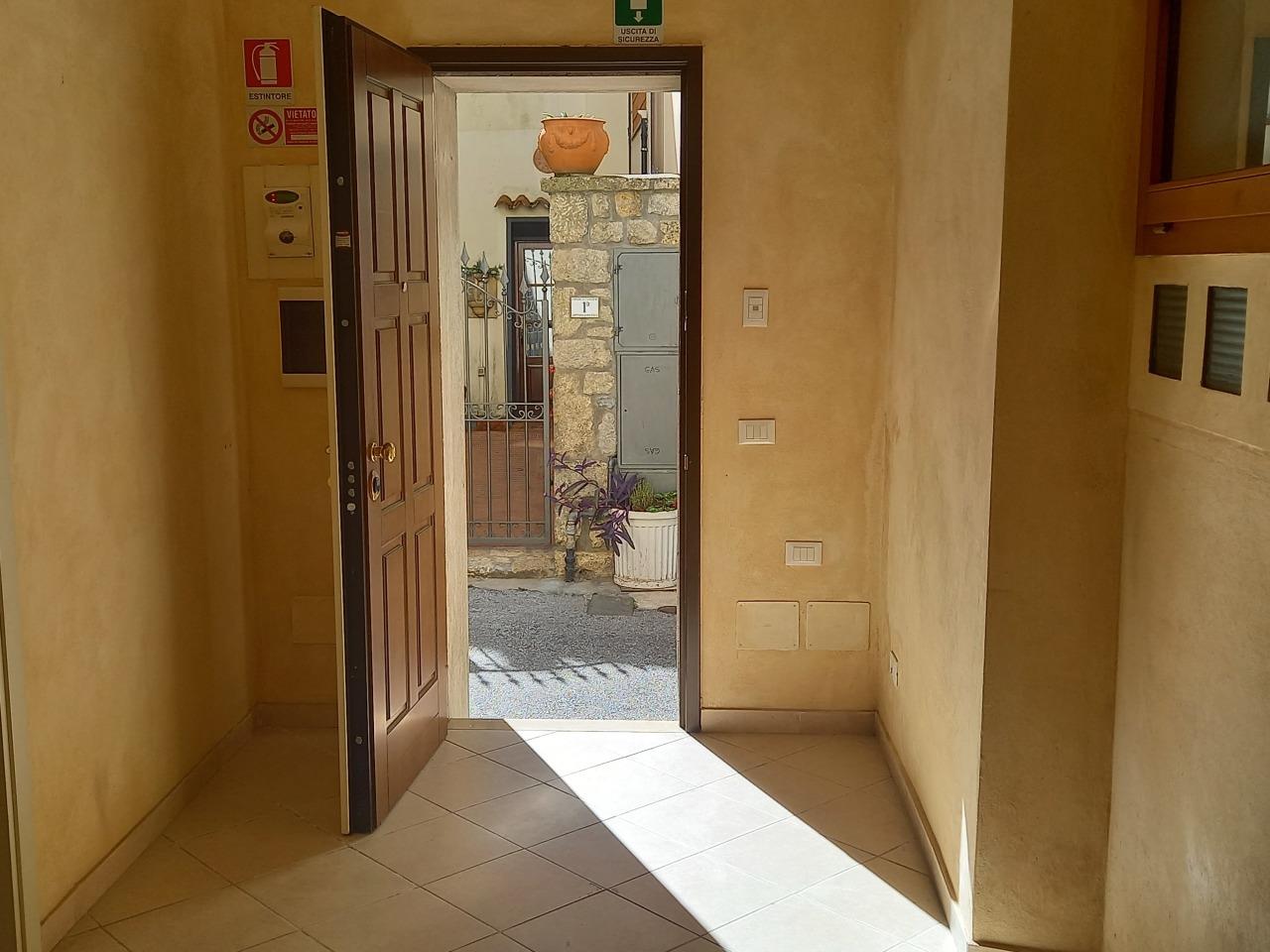 Ufficio in affitto a Camaiore (LU)