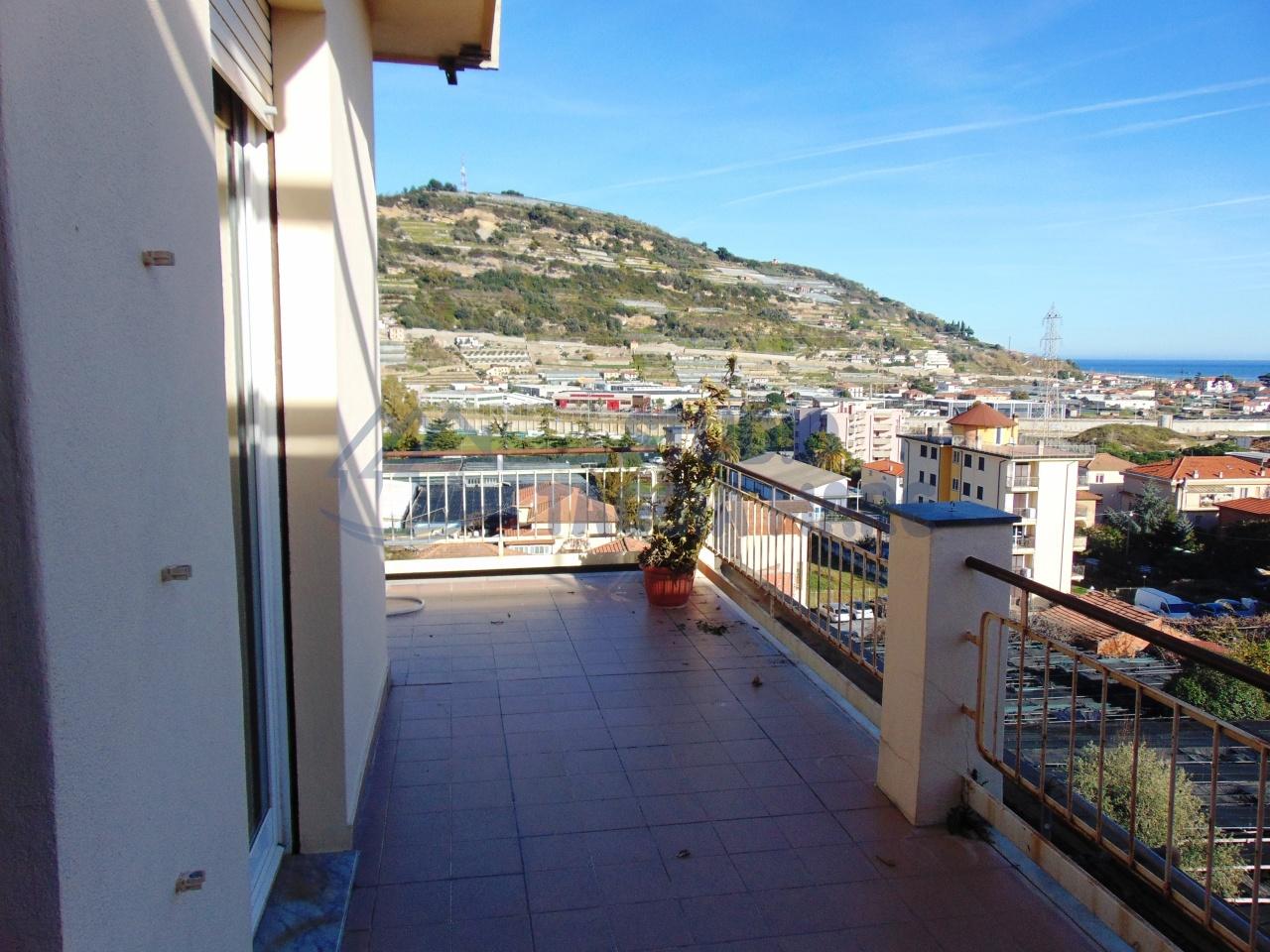 Appartamento in affitto a Taggia, 3 locali, prezzo € 500 | Cambio Casa.it