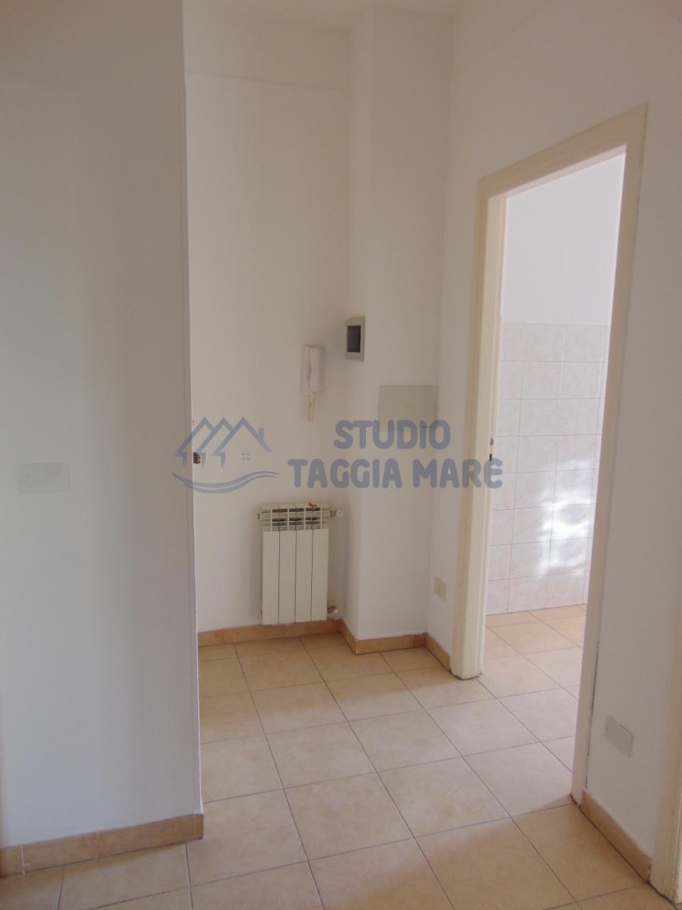 Appartamento in affitto a Taggia, 2 locali, prezzo € 450 | Cambio Casa.it