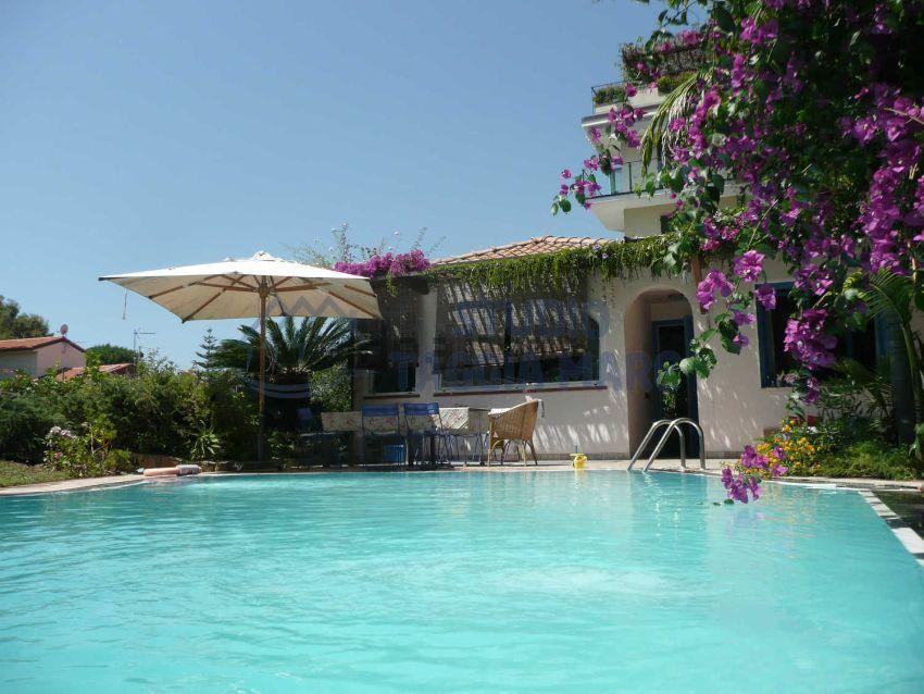 Villa in vendita a SanRemo, 4 locali, prezzo € 490.000 | CambioCasa.it