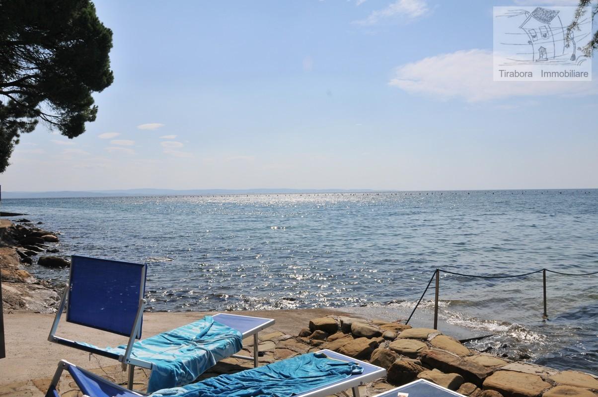 Villa in vendita a Trieste, 8 locali, Trattative riservate | CambioCasa.it
