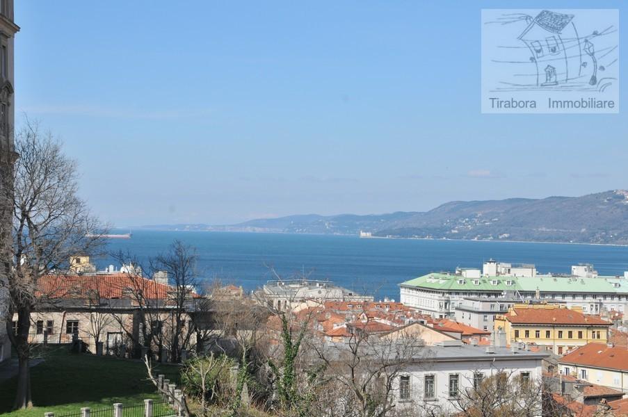 Bilocale Trieste Via Cereria 10 1