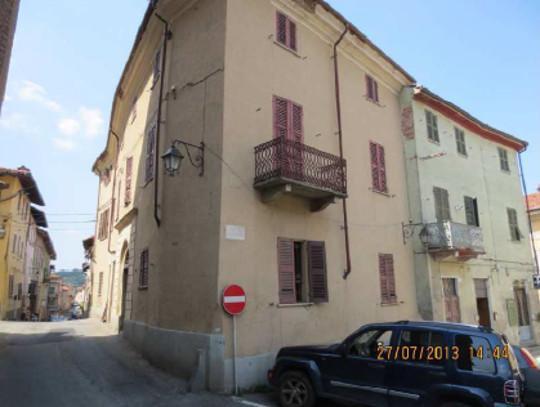 Foto 1 di Attico / Mansarda via Trotti   2-4, Cassine