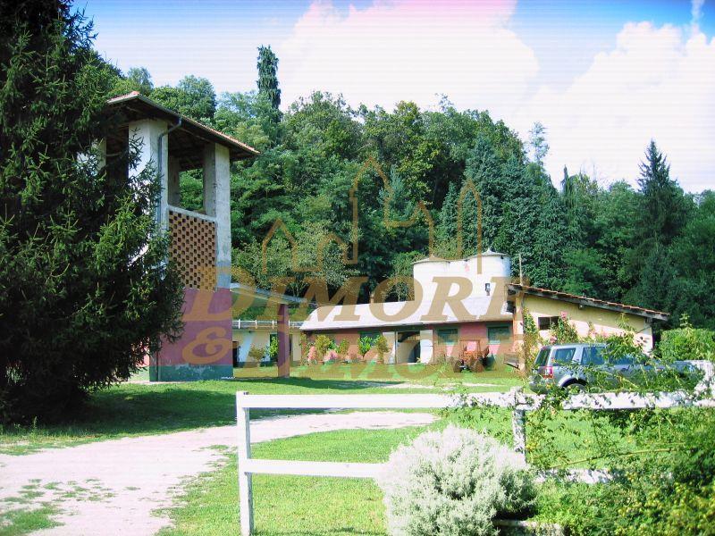Rustico / Casale in vendita a Miasino, 5 locali, prezzo € 1.500.000   CambioCasa.it