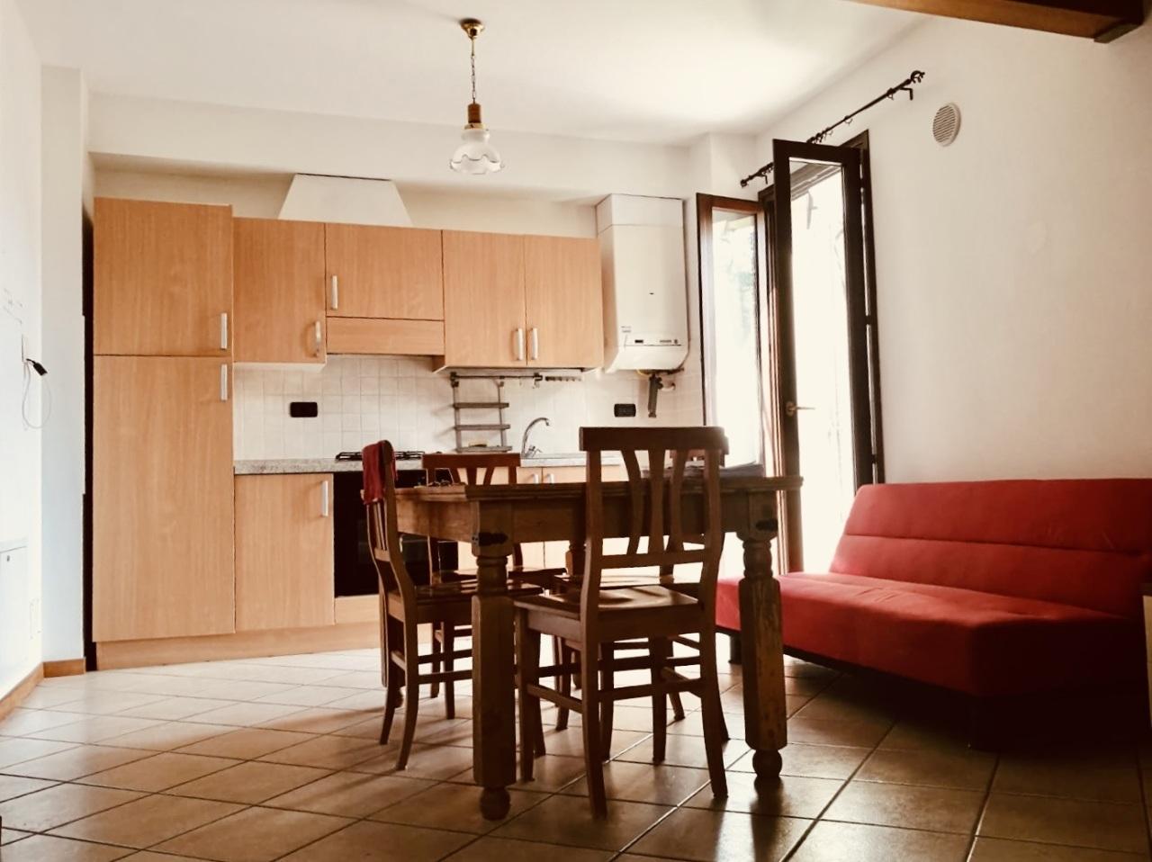 Appartamento in affitto a Angeli, Rosora (AN)