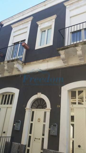 Casa indipendente in vendita a Catania (CT)