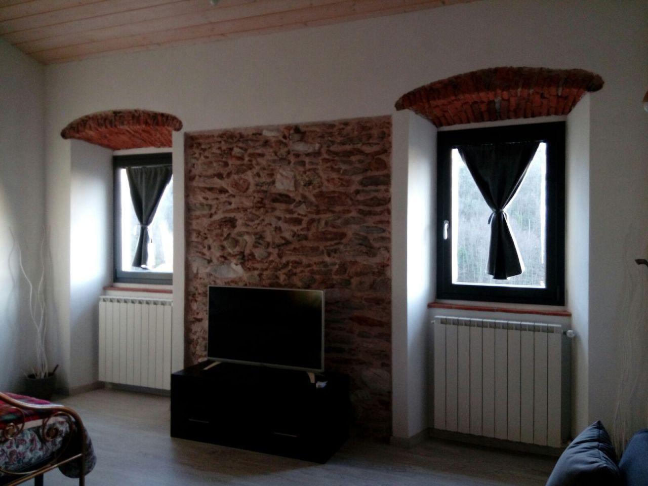 Stabile/Palazzo in affitto a Pietrasanta (LU)