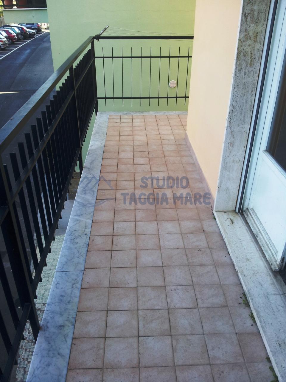 Appartamento in vendita a Riva Ligure, 5 locali, prezzo € 210.000 | Cambio Casa.it