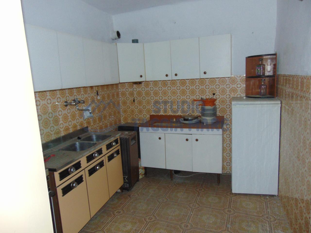 Appartamento in vendita a Badalucco, 2 locali, prezzo € 35.000 | Cambio Casa.it
