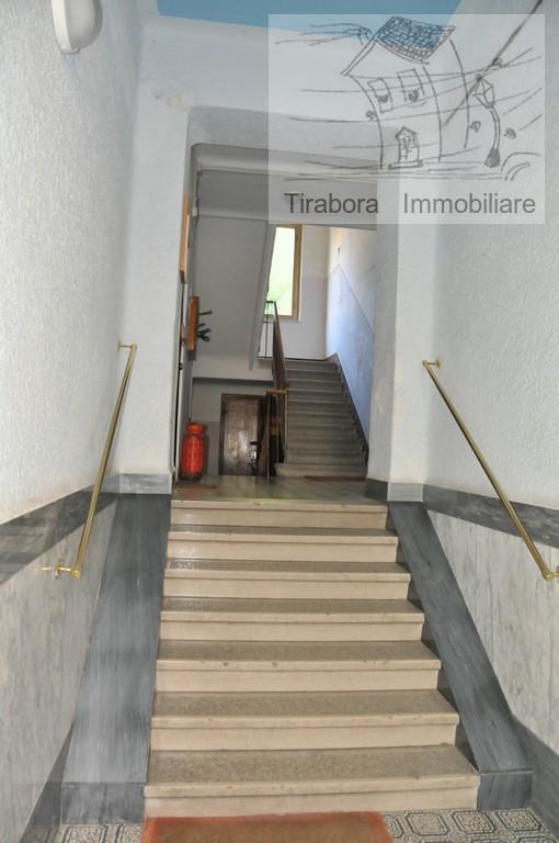 Bilocale Trieste Via Apiari 10 11