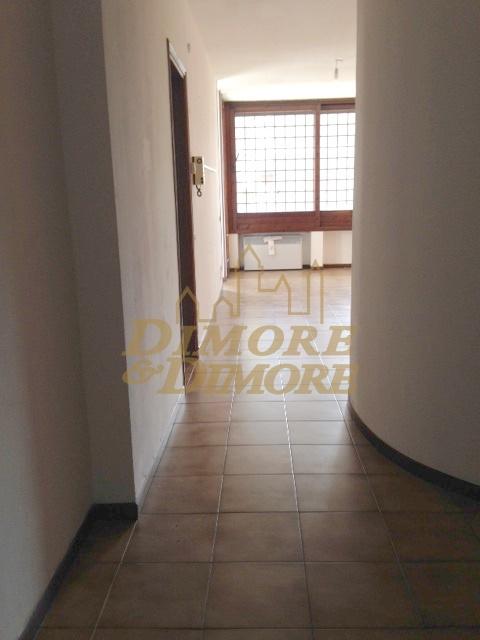 Appartamento in vendita a Verbania, 4 locali, prezzo € 175.000 | CambioCasa.it