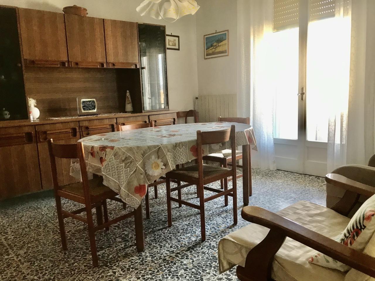 Casa indipendente in vendita a Cecina (LI)