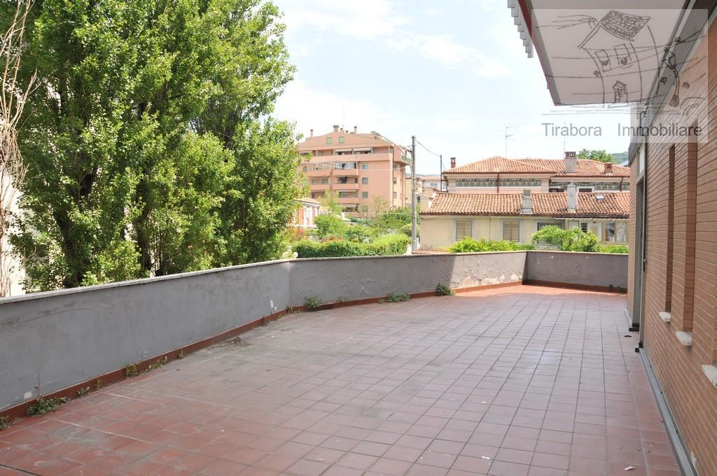 Appartamento in vendita a Trieste, 4 locali, prezzo € 205.000 | CambioCasa.it