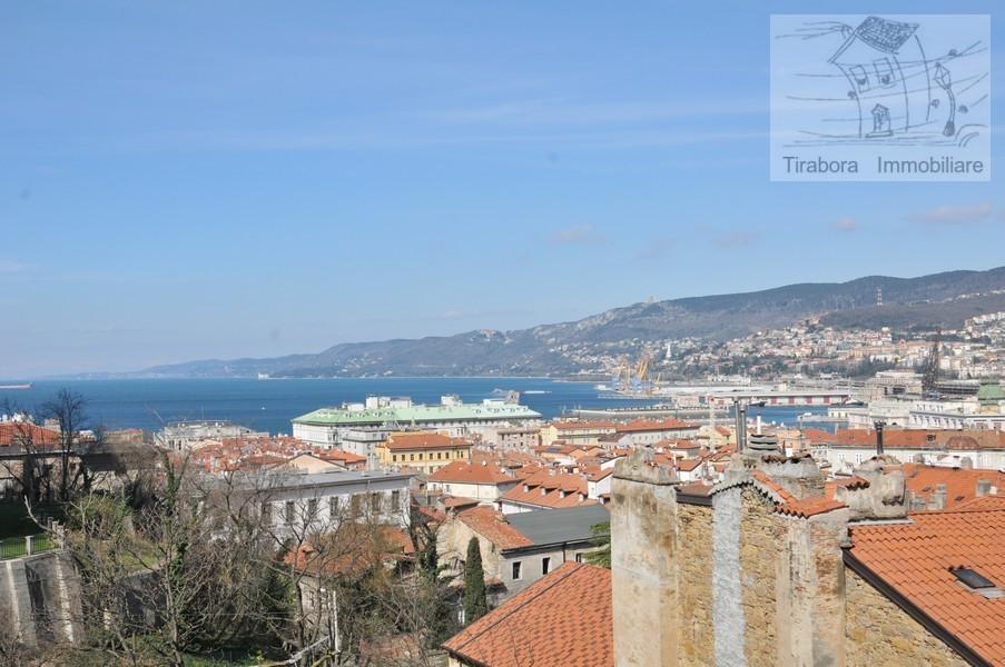 Bilocale Trieste Via Cereria 10 2