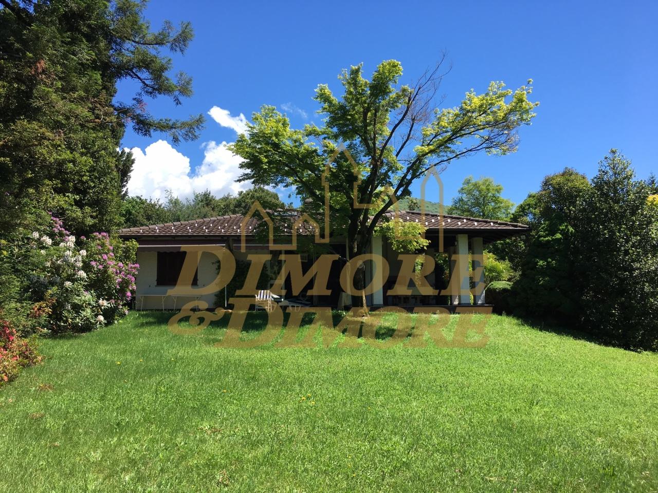 Villa in vendita a Luino, 8 locali, prezzo € 670.000 | CambioCasa.it