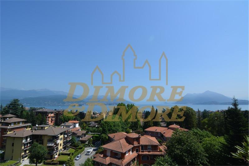 Attico / Mansarda in vendita a Stresa, 4 locali, prezzo € 420.000   CambioCasa.it