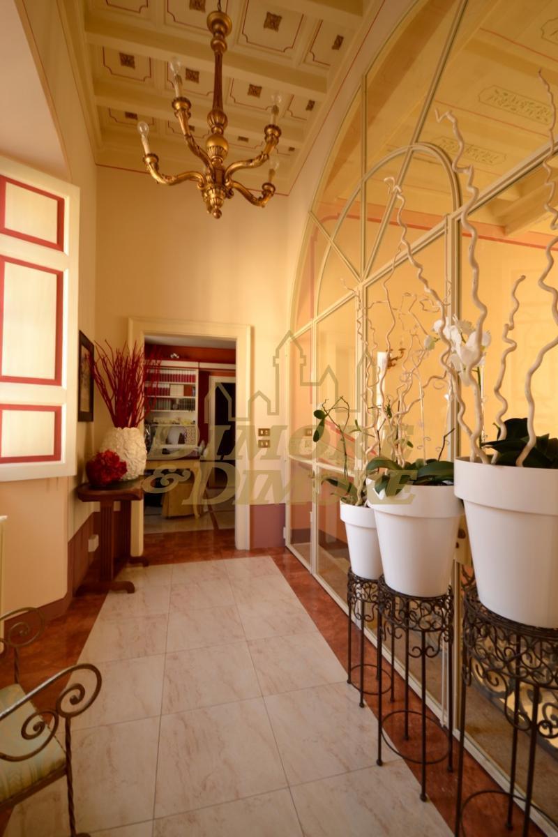 Appartamento in vendita a Miasino, 13 locali, Trattative riservate | CambioCasa.it