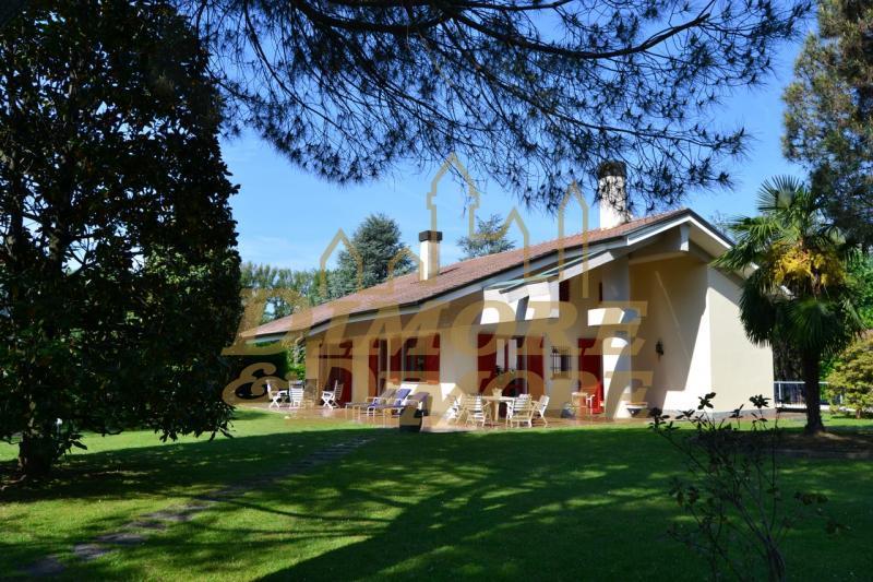Villa in affitto a Lesa, 5 locali, Trattative riservate | CambioCasa.it