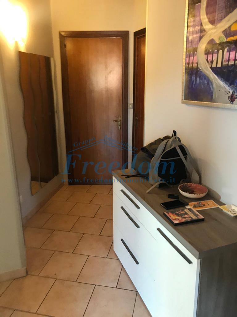 Appartamento in vendita a Ficarazzi, Aci Castello (CT)