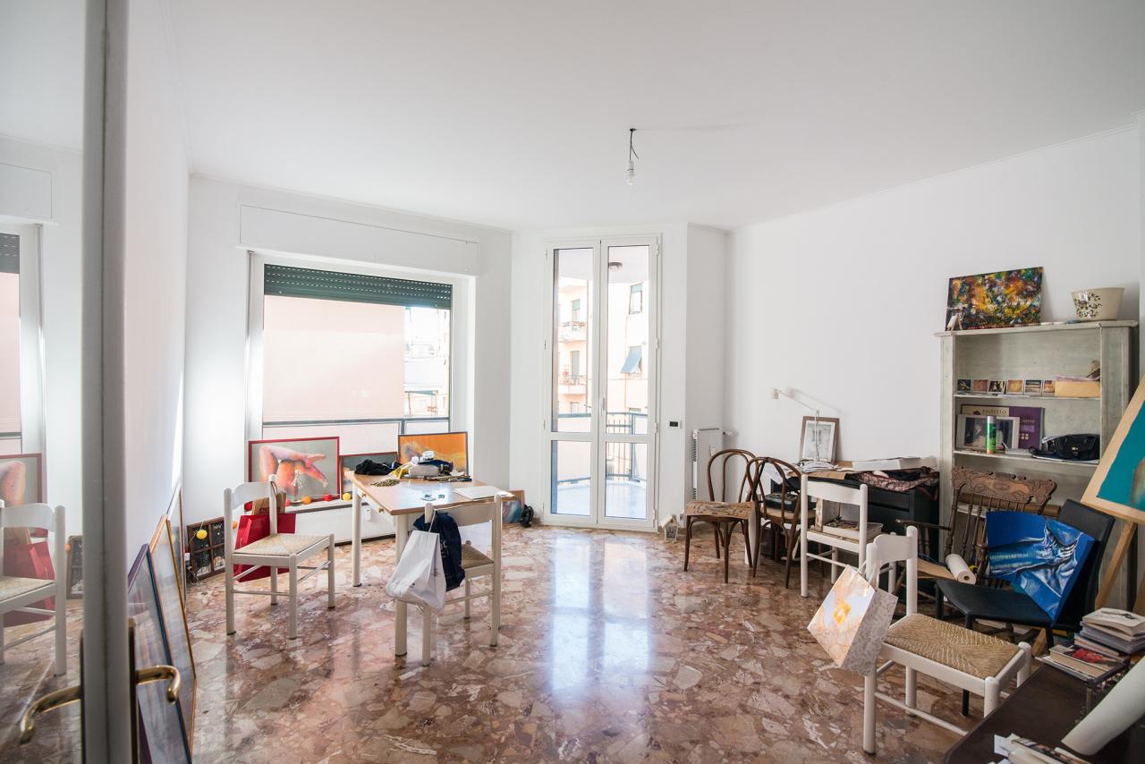 Appartamenti e Attici GENOVA vendita  San Martino  Villani Studio