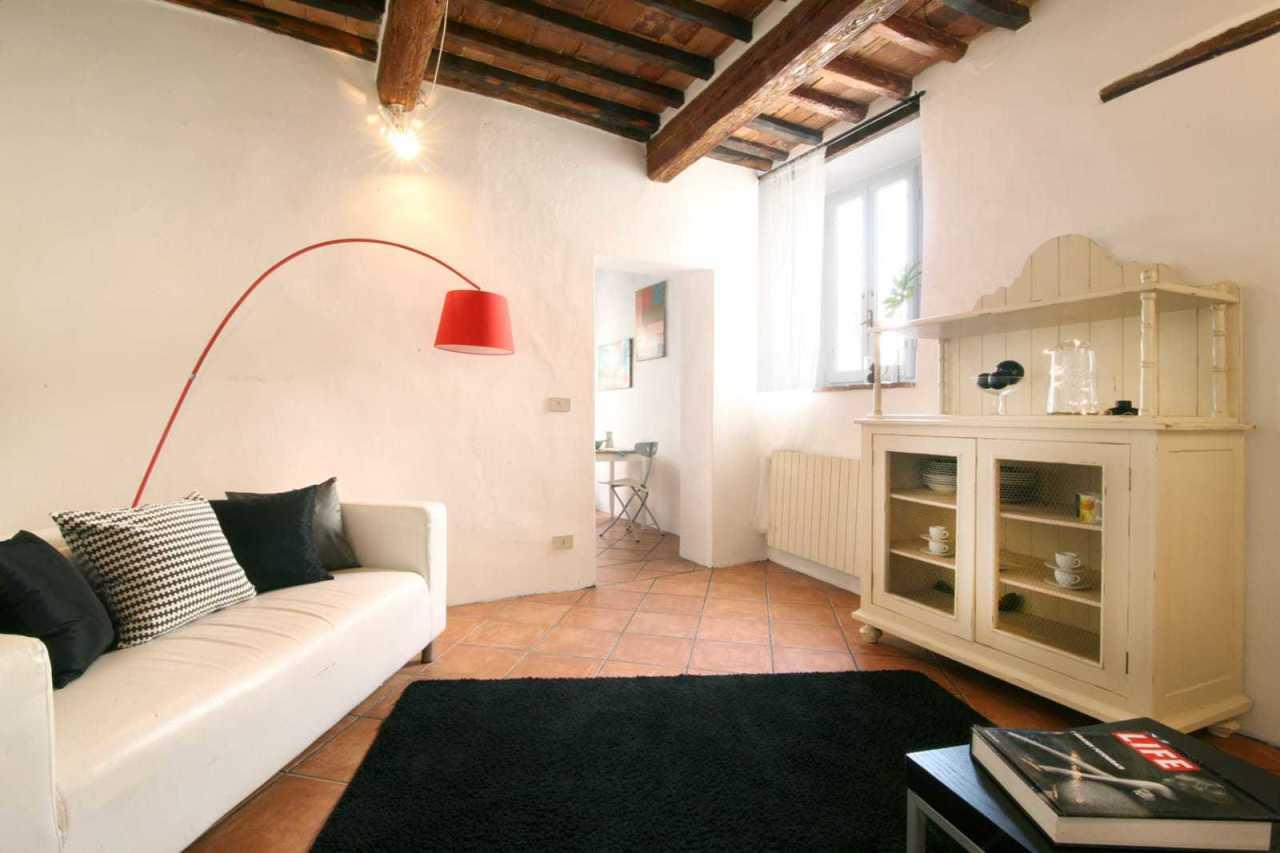 Stabile/Palazzo a Camaiore