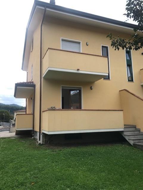 Stabile/Palazzo in affitto a Massarosa (LU)