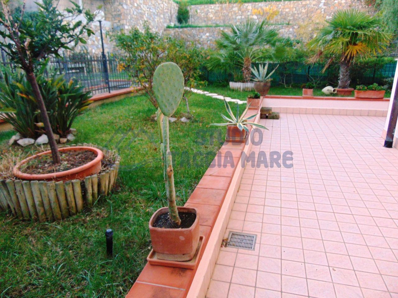 Appartamento in vendita a Riva Ligure, 2 locali, prezzo € 230.000 | Cambio Casa.it
